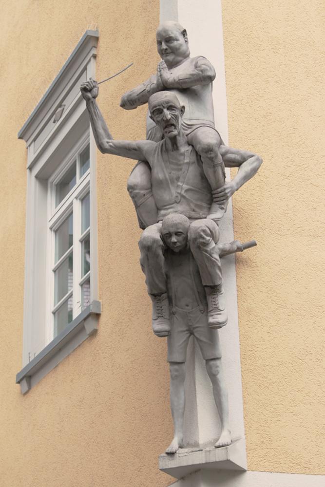 lenk  skulptur  bachgasse  ravensburg  hütekindermarkt
