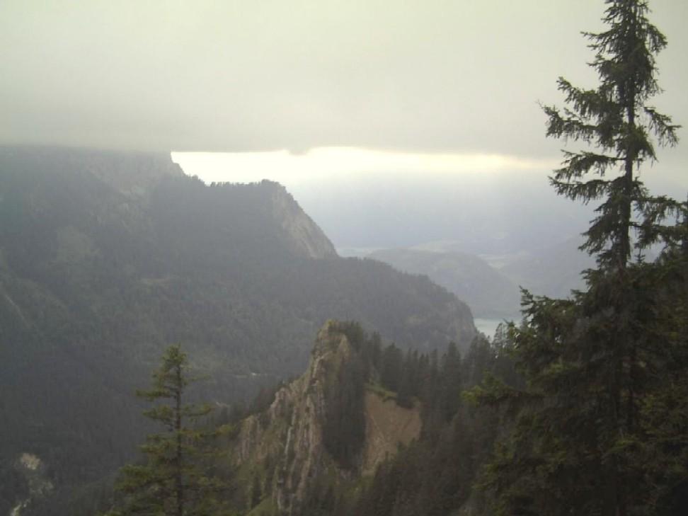 Beim Aufstieg zum Tegelberg war vom Säuling nicht mehr viel zu sehen, aufgenommen Mitte August 2007.