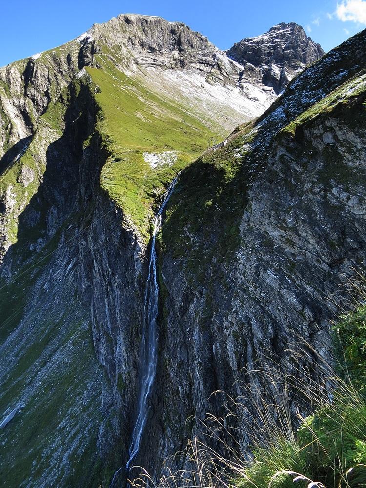 """2015/01 """"Wasser + Fels + vertikal"""" (Platz 1)  Rappenbach-Fall mit Linkerskopf und Rotgundspitze von Kauk"""