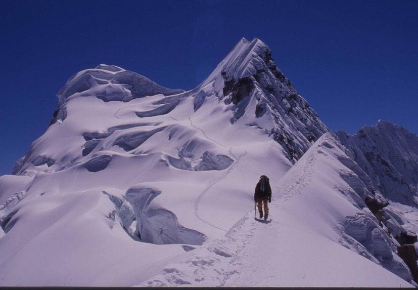 Tropisches Eis am Vallunaraju