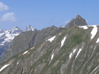 Pfeilspitzkamm mit Hornbachkette im Hintergrund