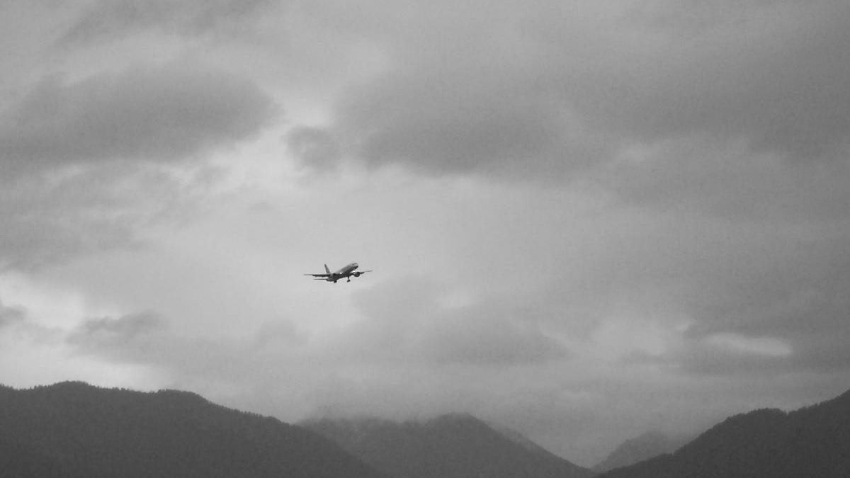 anflug linienmaschine flugplatz höfen flugshow 2003