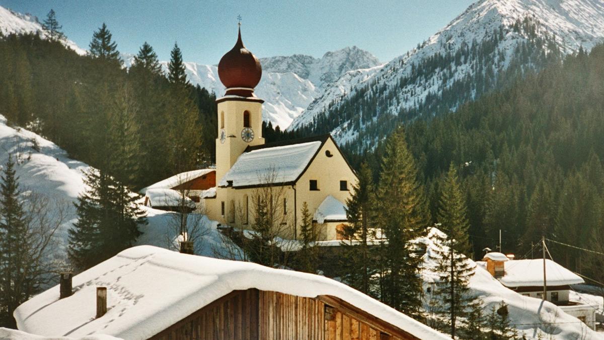 die Namloser Pfarrkirche - verwendetes Bild mit freundlicher Genehmigung von Fuchs G.