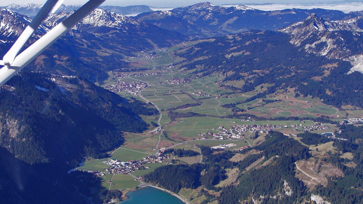 Blick gegen Westen über das Tannheimer Tal