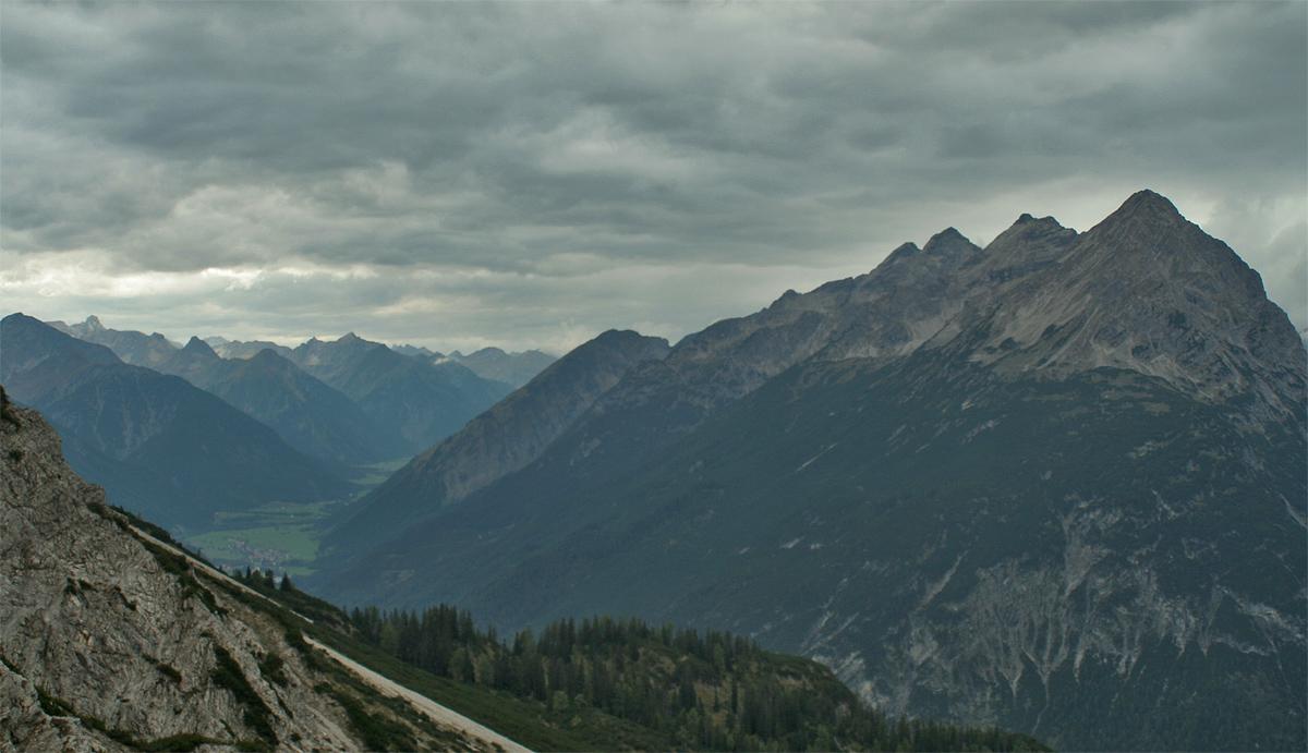 die Hornbachkette über dem unteren Lechtal