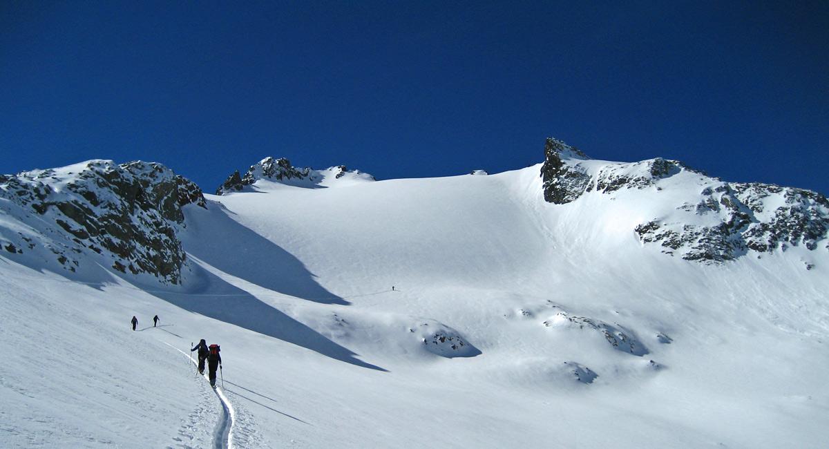 der noch unberührte Gipfelhang des Kaltenberges
