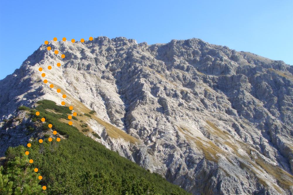 der Anstieg vom Schwarzenköpfel über die Westflanke zum Gipfel der Kreuzspitze