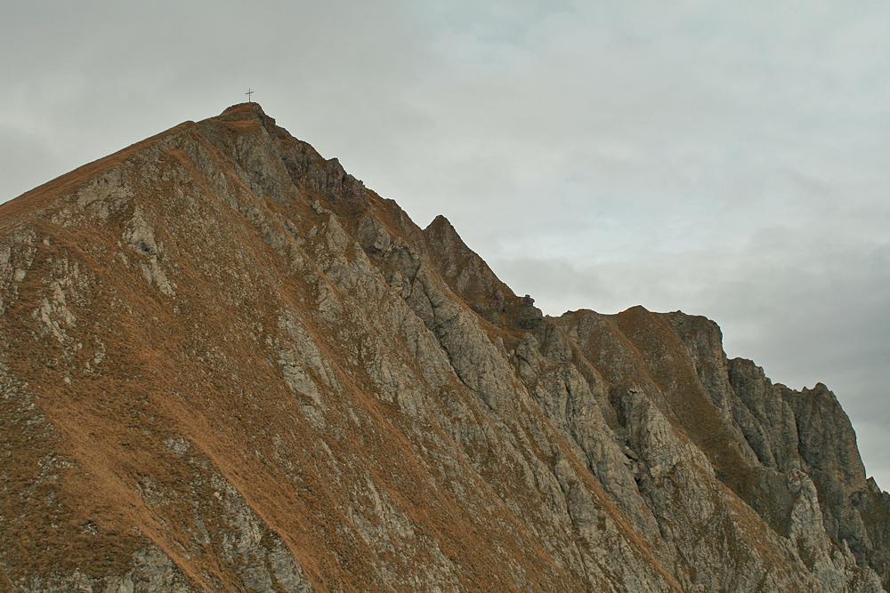 Blick in die Südostwand der Rotschrofenspitze während des Aufstieges aus dem Falmedonjoch zum Gipfel