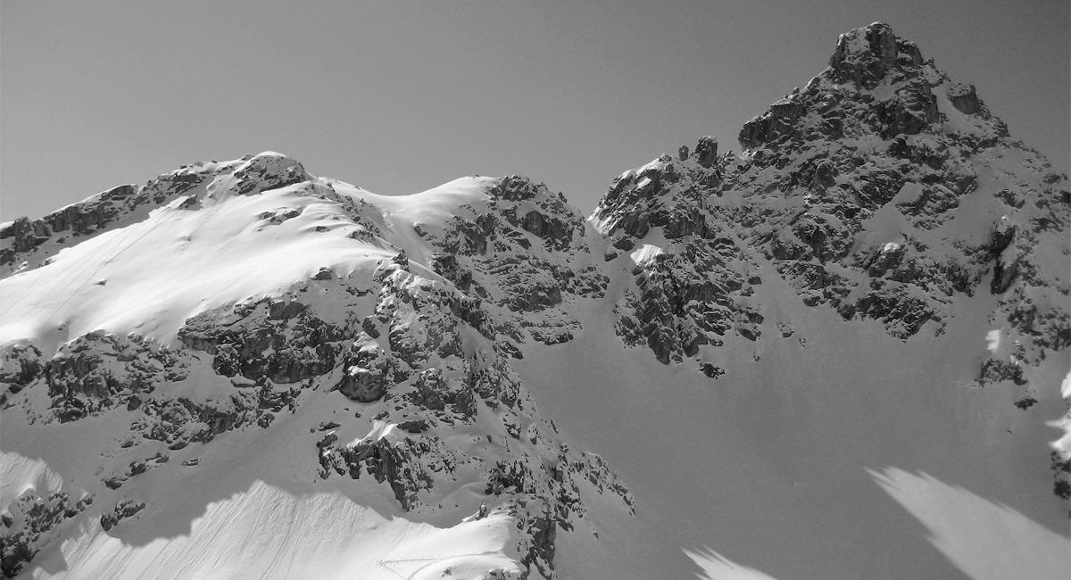 Blick vom Schafkarkopf hinauf zum Gipfel der Großen Schafkarspitze