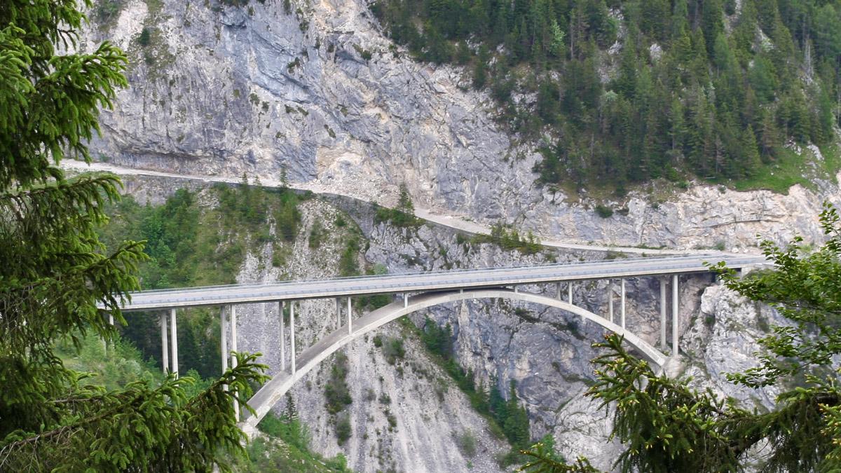 gemstobel rundbogenbrücke gaichtpass weißenbach