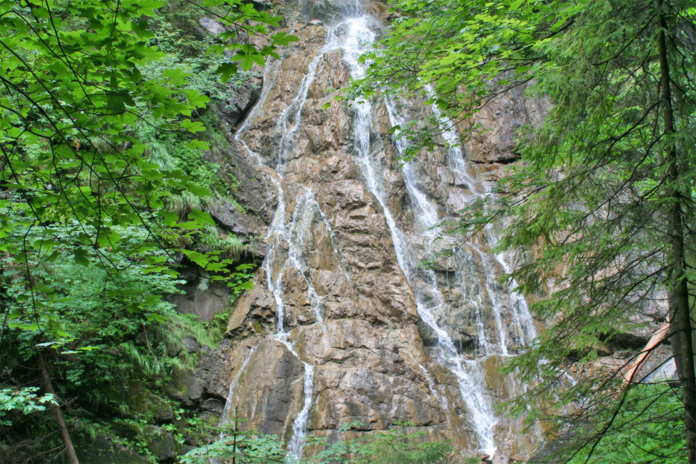 kleiner Wasserfall in der Höllschlucht bei Pfronten - Kappl