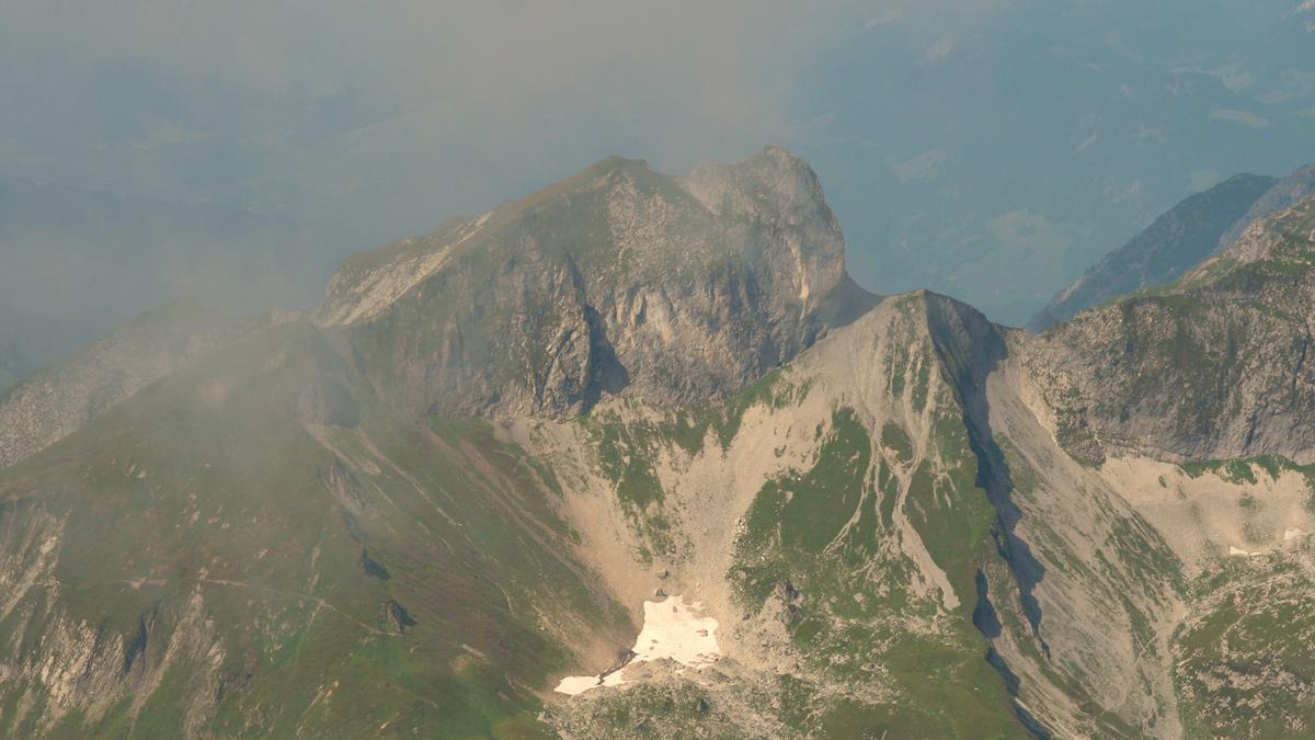 Gipfelblick vom Hochvogel gegen Westen hin zum Schneck