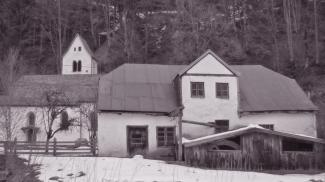Hammerschmiede und St. Anna Kirche