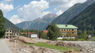 nach dem Hochwasser 2005 in Holzgau