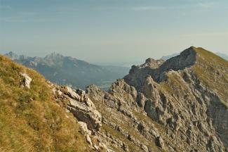 Hintere Steinkarspitze und Reuttener Höhenweg