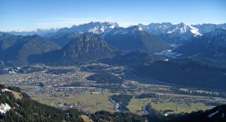 Reuttener Talkessel und Ammergauer Berge