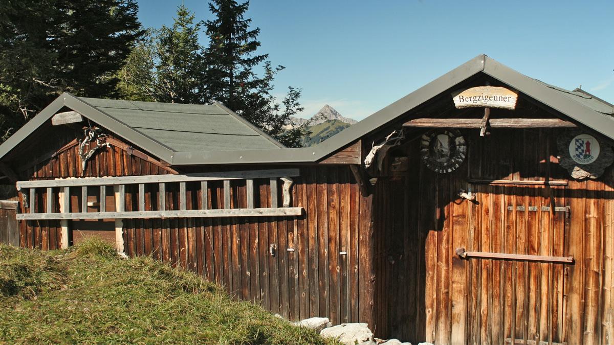 die Bergzigeuner-Hütten an der Köllenspitz-Südflanke