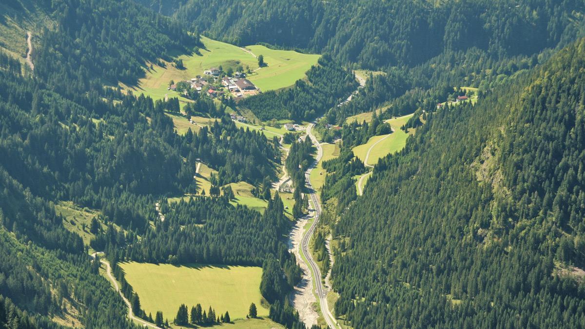 die Weißenbacher Fraktion Gaicht oberhalb des gleichnamigen Passes