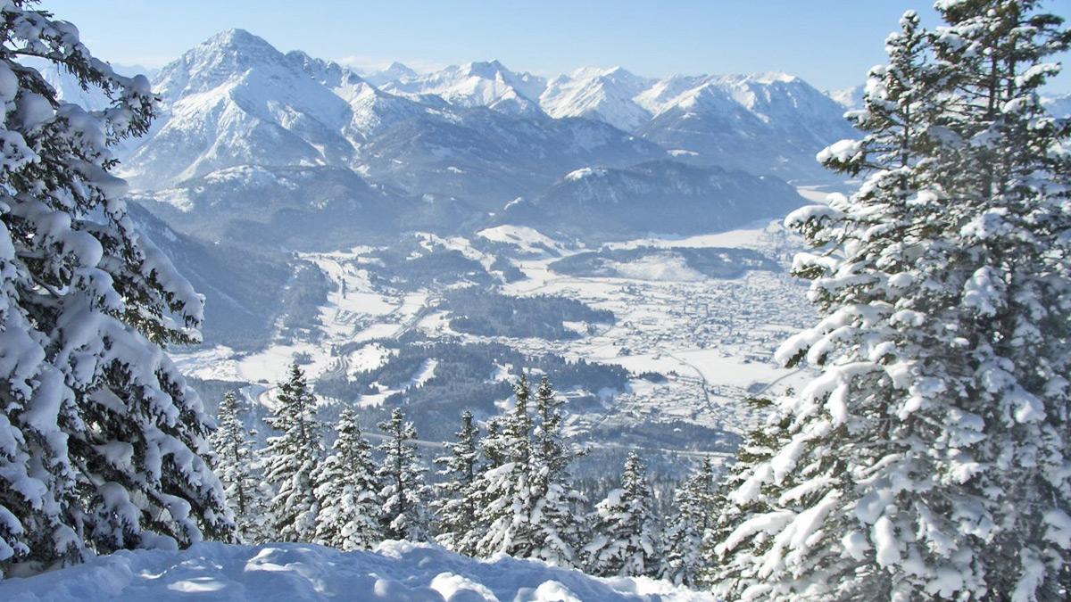 die nördlichen Lechtaler Alpen mit dem imposanten Thaneller - gesehen vom Sattelkopf oberhalb der Dürrenberg Alpe