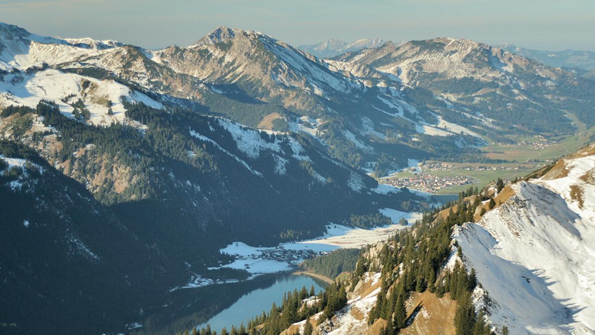 Ausblick in den westlichen Teil des Tannheimer Tals