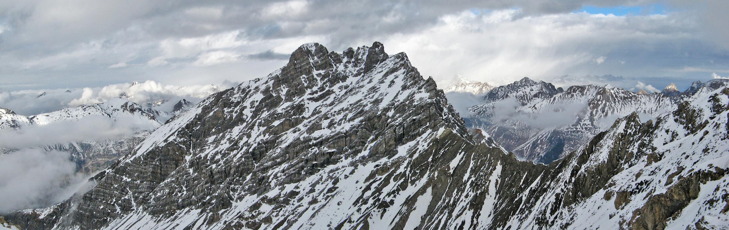 Panorama von der Stanskogel-Westschulter hin zu der Fallesinspitze