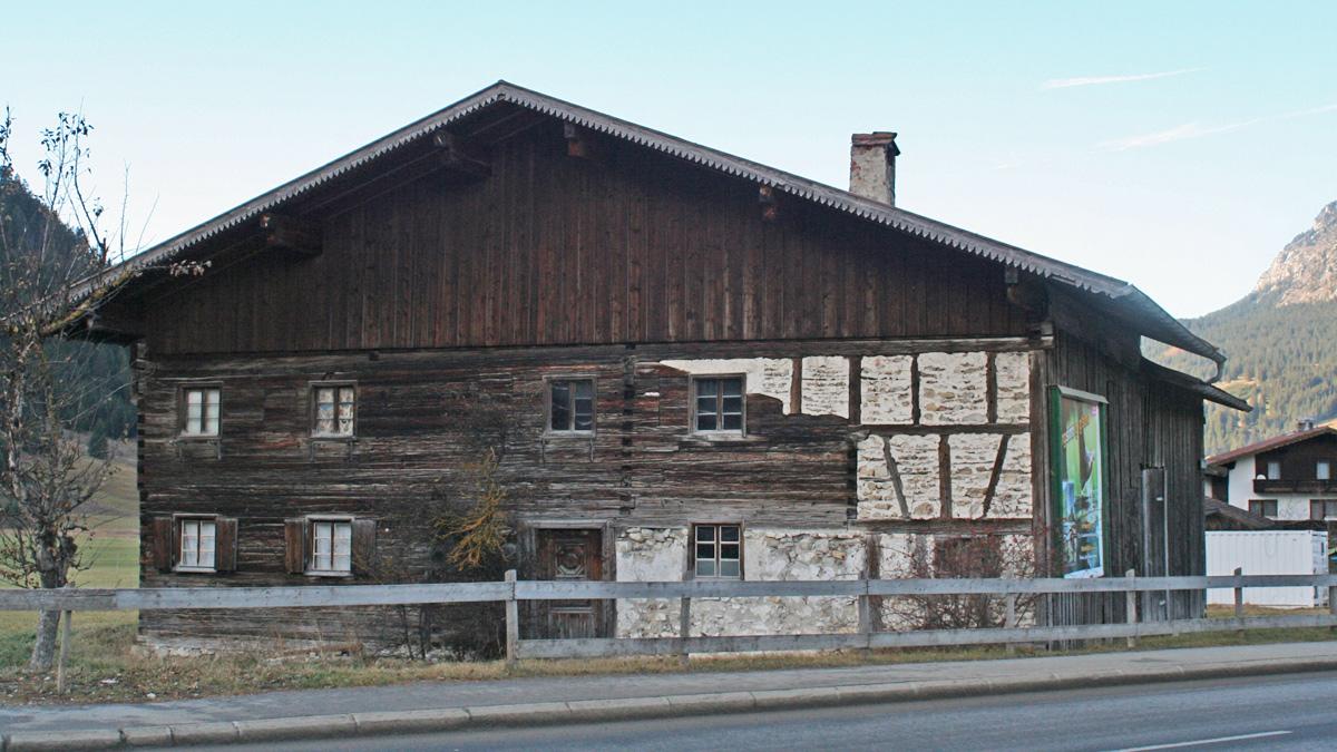 das alte Haus im Gräner Ortsteil Haldensee ist inzwischen schon der Spitzhacke zum Opfer gefallen