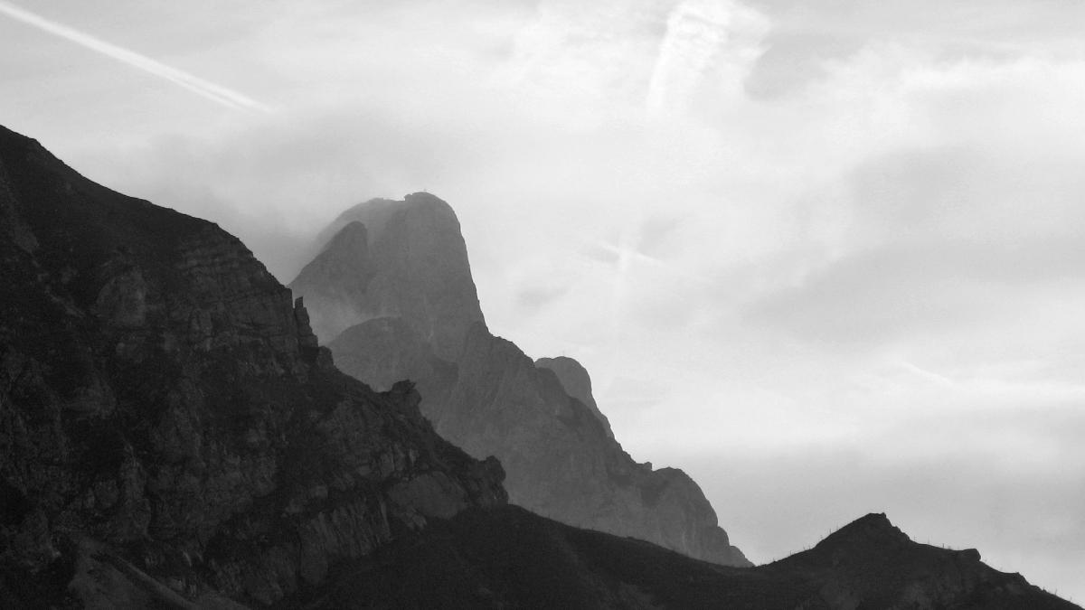 Blick über das Sabachjoch hinweg hin zu den Gehrenspitzen
