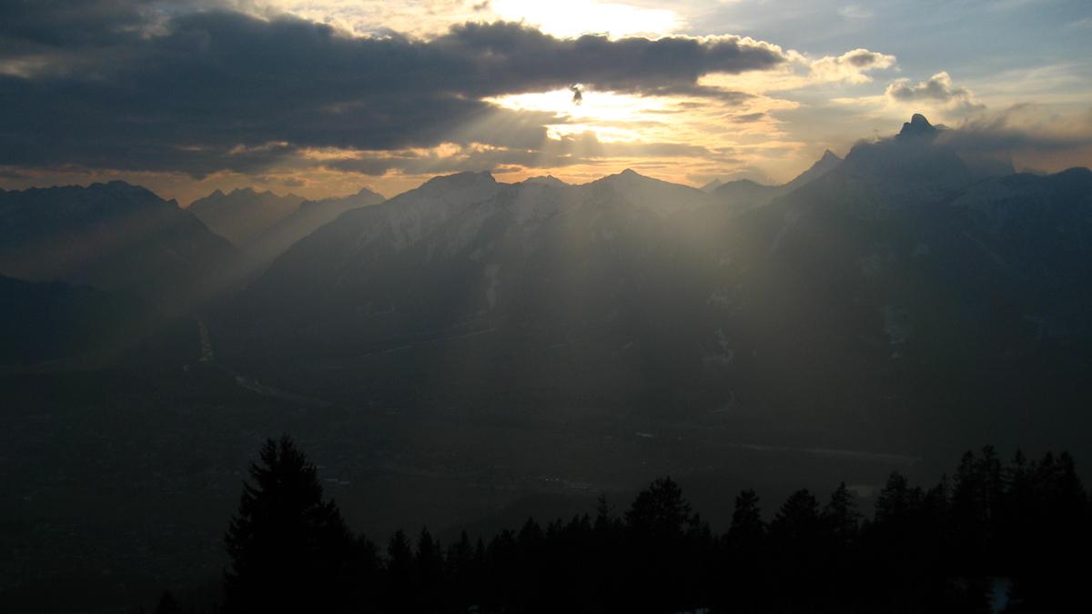 abendlicher Ausblick vom Dürrenberg über das Reuttener Becken
