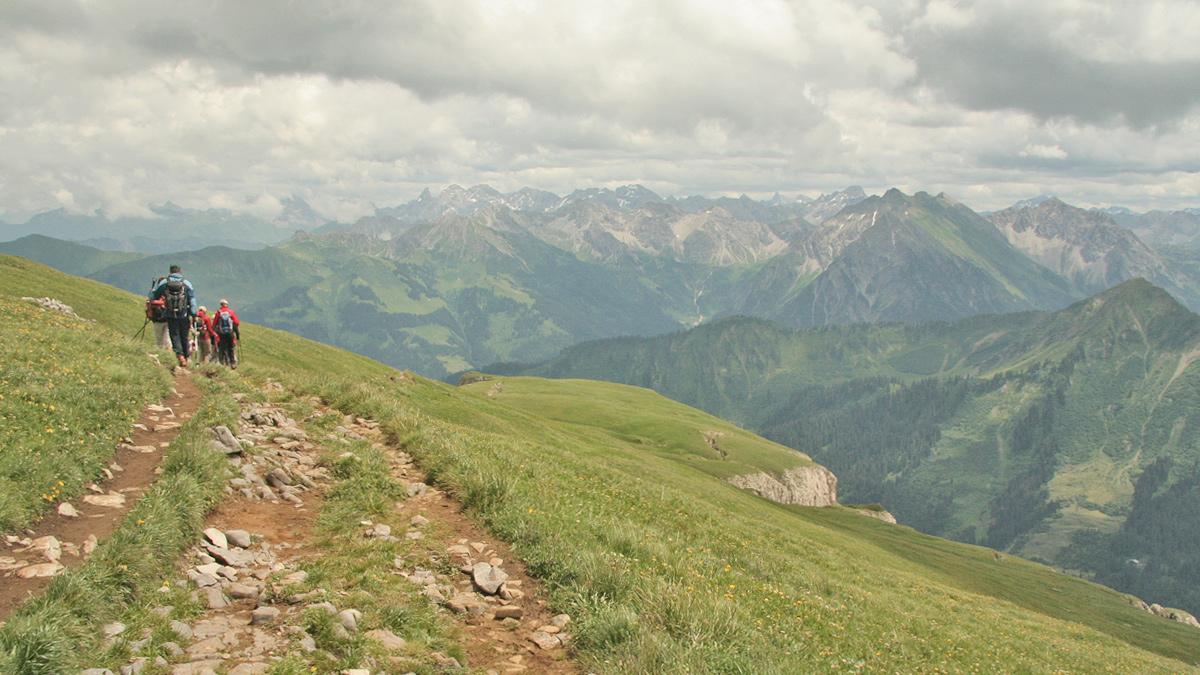 eine reizvolle Wanderung auf dem Gipfelplateau des Hohen Ifen