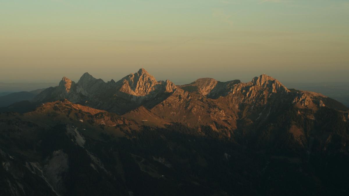 die Tannheimer Berge im ersten Sonnenlicht