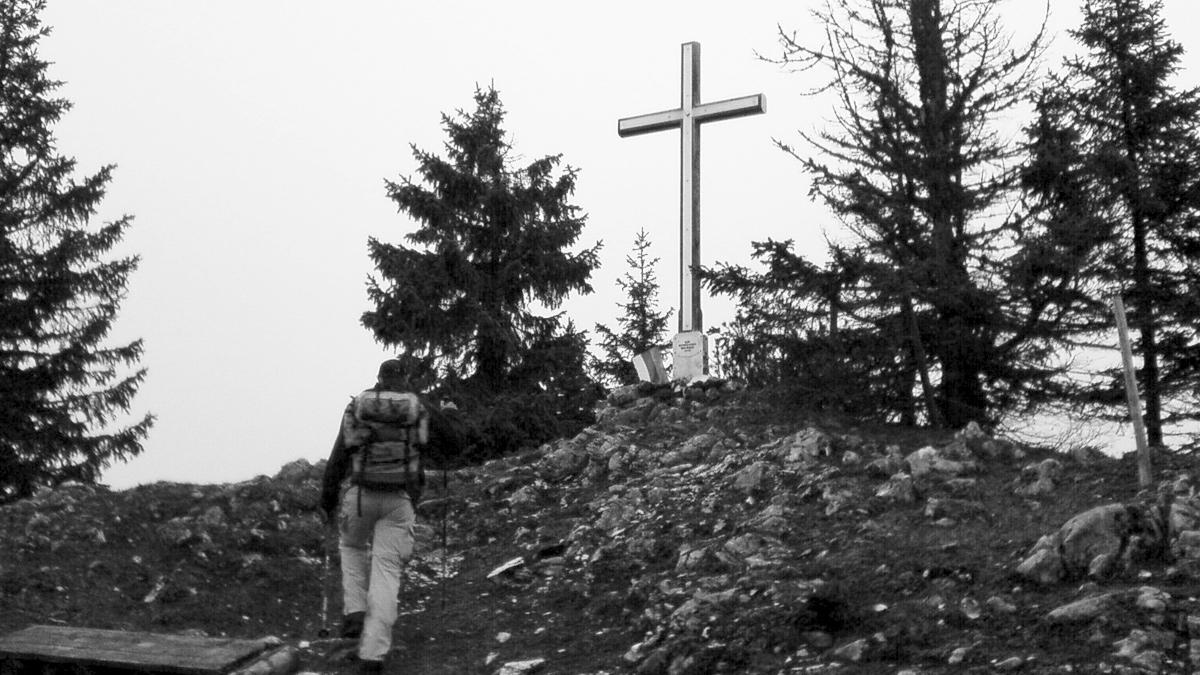 Ankunft am Gipfelkreuz des Schlagsteins