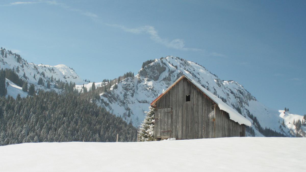 der Jochschrofen und Hirschberg im Winterkleid