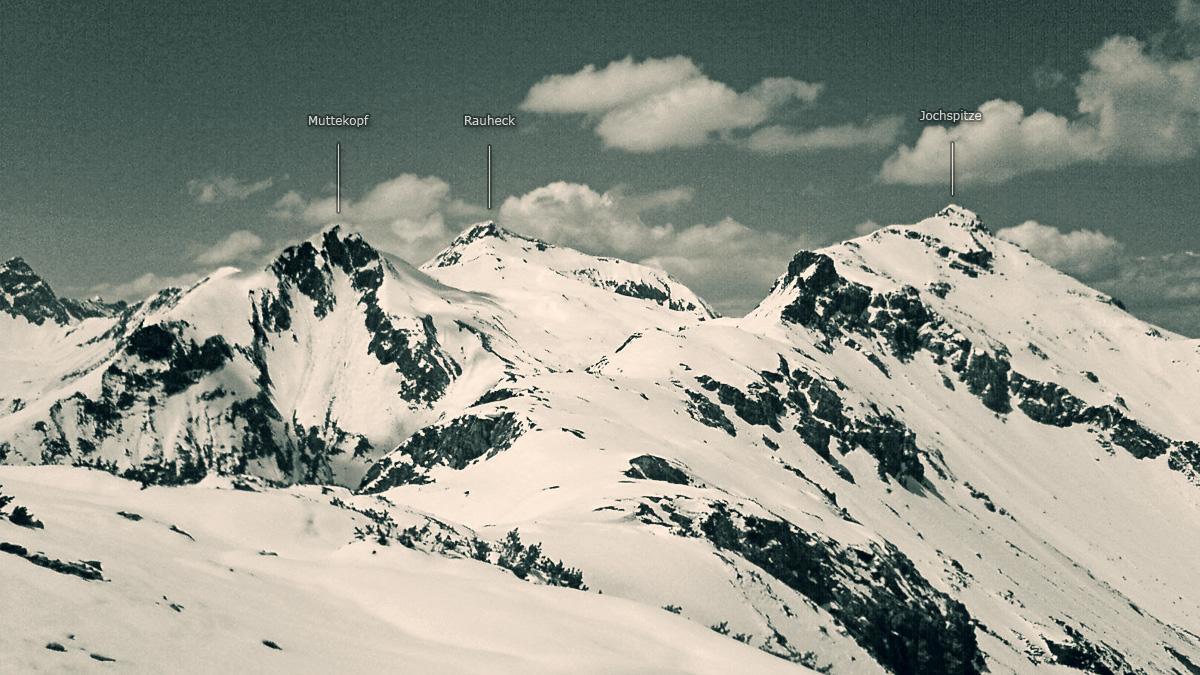 Blick vom Kanzberg auf westlich aufragenden Gipfel