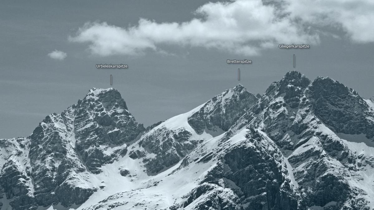 die Gipfel Urbeleskar-, Bretter- und Gliegerkarspitze bilden den Mittelteil der Hornbachkette