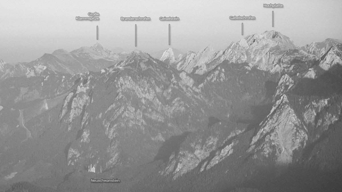 die Ammergauer Alpen über dem Schloss Neuschwanstein