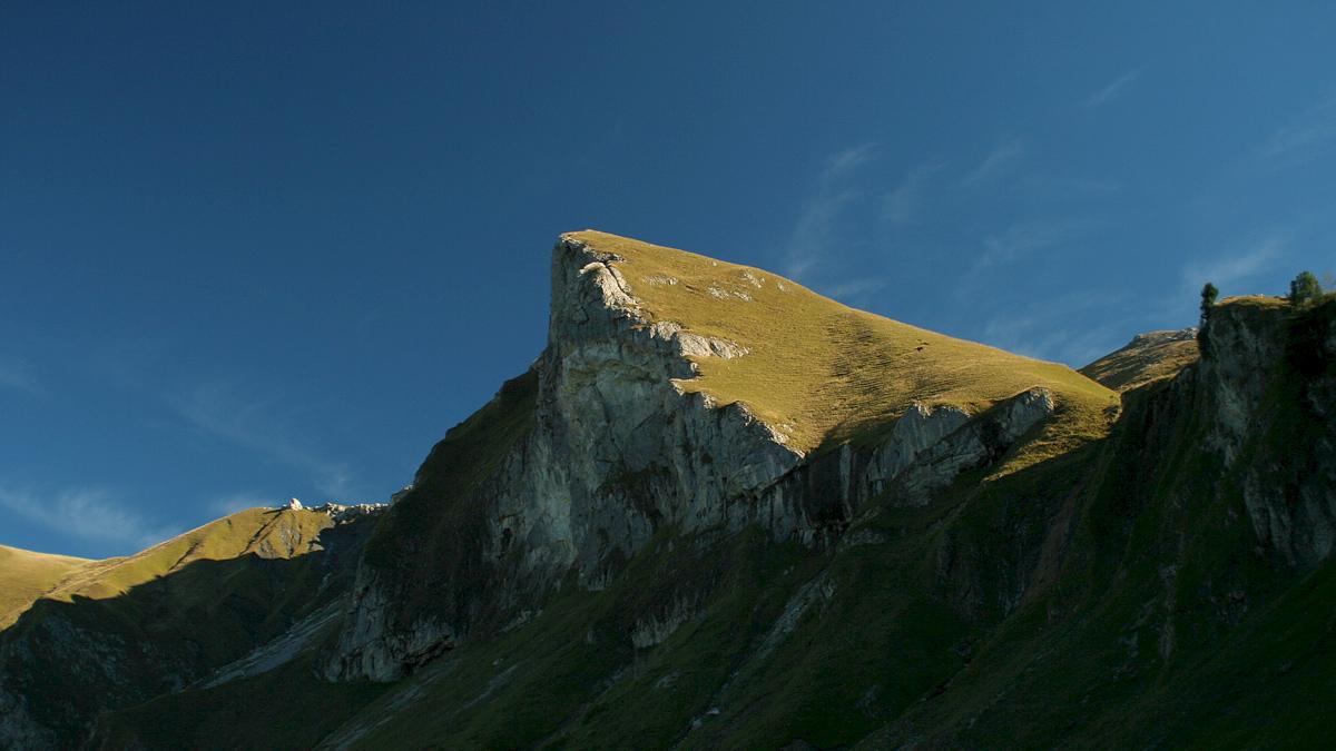 die Schochenspitze mit ihrer teils überhängenden Westwand