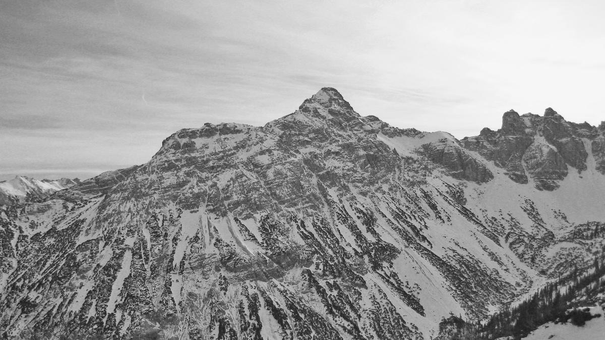 die Leilachspitze mit den Luchsköpfen hoch über dem Birkental