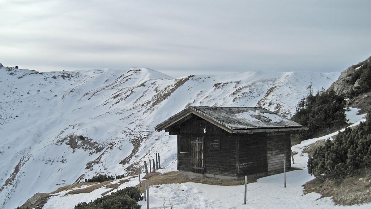 die kleine Jagdhütte über der Gappenfeldscharte am Südwestgrat der Sulzspitze