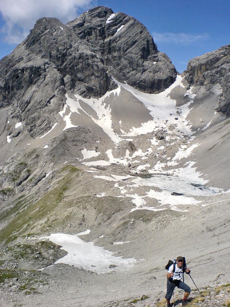 auf dem Weg in die Spiehlerscharte - im Hintergrund das Hermannskar mit dem gleichnamigen See und darüber der Große Krottenkopf