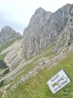 Weg unterhalb der Gimpel-Südwand