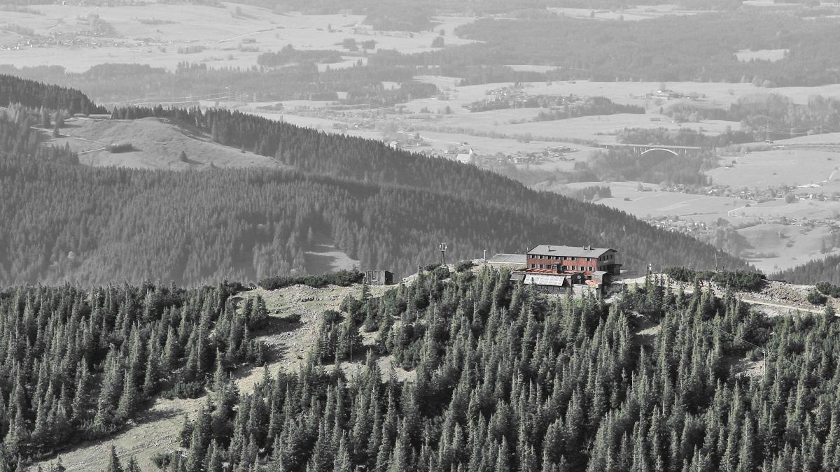 die Ostlerfhütte am Gipfel des Breitenbergs