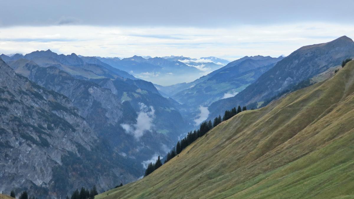 Blick von der Biberacher Hütte in das Große Walsertal