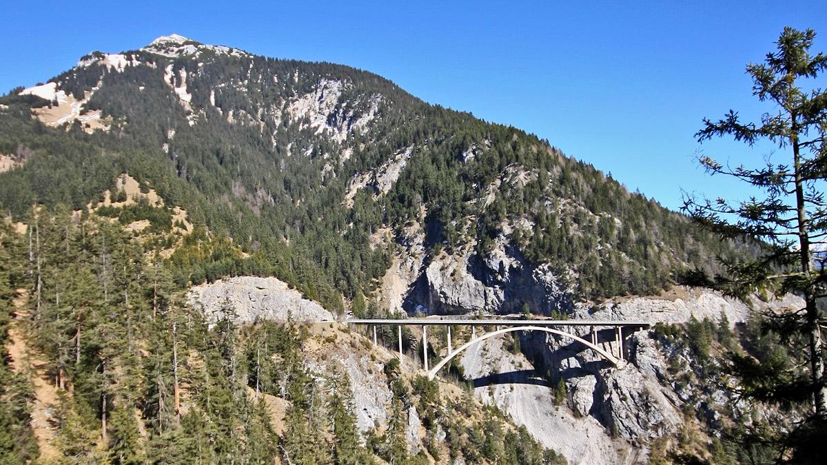 die Gemstalbrücke (auch Gemstobelbrücke)