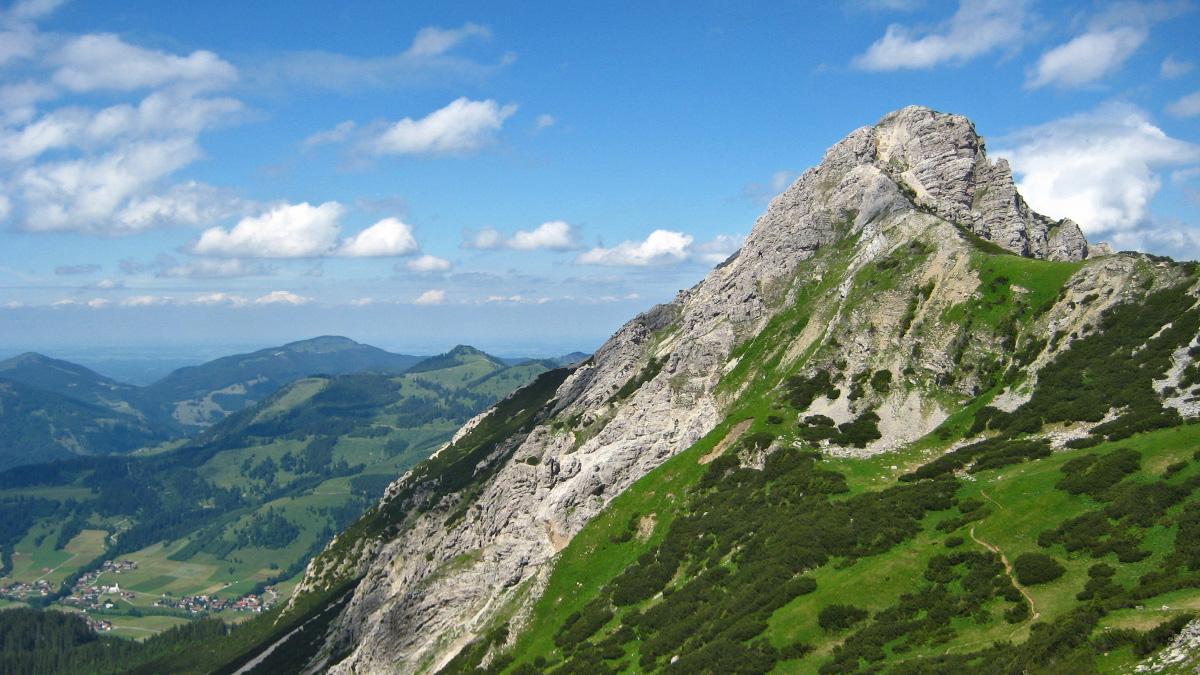 Ausblick vom Zirleseck hin zur Südflanke der Rohnenspitze