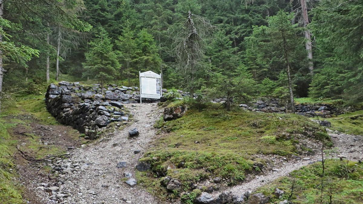 die Obere Verladestation am Bremsberg des Schachtkopfes an welchem einst unter anderem Blei-Zink-Erze gewonnen wurden