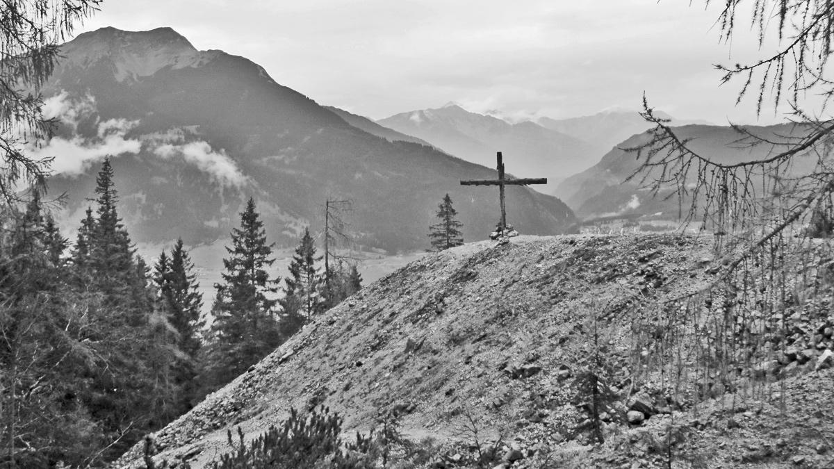 noch heute zeugen Ruinen von Berghäusern und ausgedehnte Haldenfelder von rund 500 Jahren Bergbau im Revier der Silberleithe
