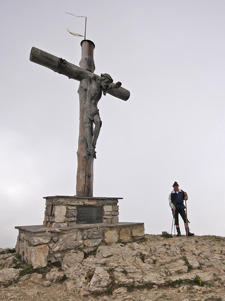 das Gipfelkreuz am Neunerköpfle