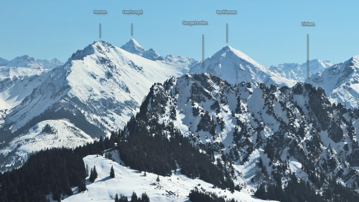 Gipfelblick von der Reuter Wanne hinüber zu Sorgschrofen und Zinken
