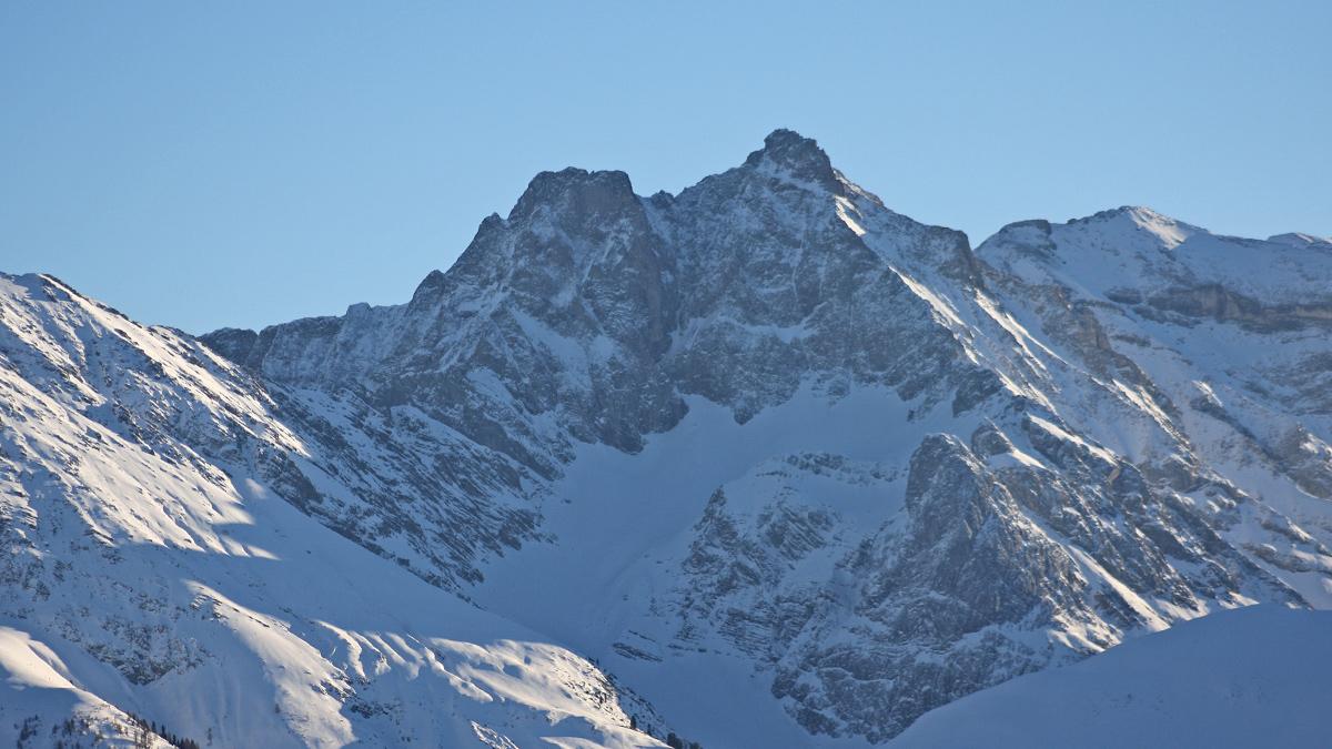 die beeindruckende Nordwand des Freispitz-Trapez und der Freispitze