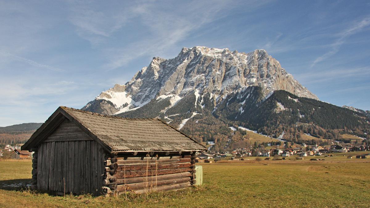 der wuchtige Wettersteinstock über der Gemeinde Ehrwald
